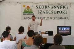 Hetzmann Róbert elnök előadást tart az EMI-táborban, Borzonton (2014)