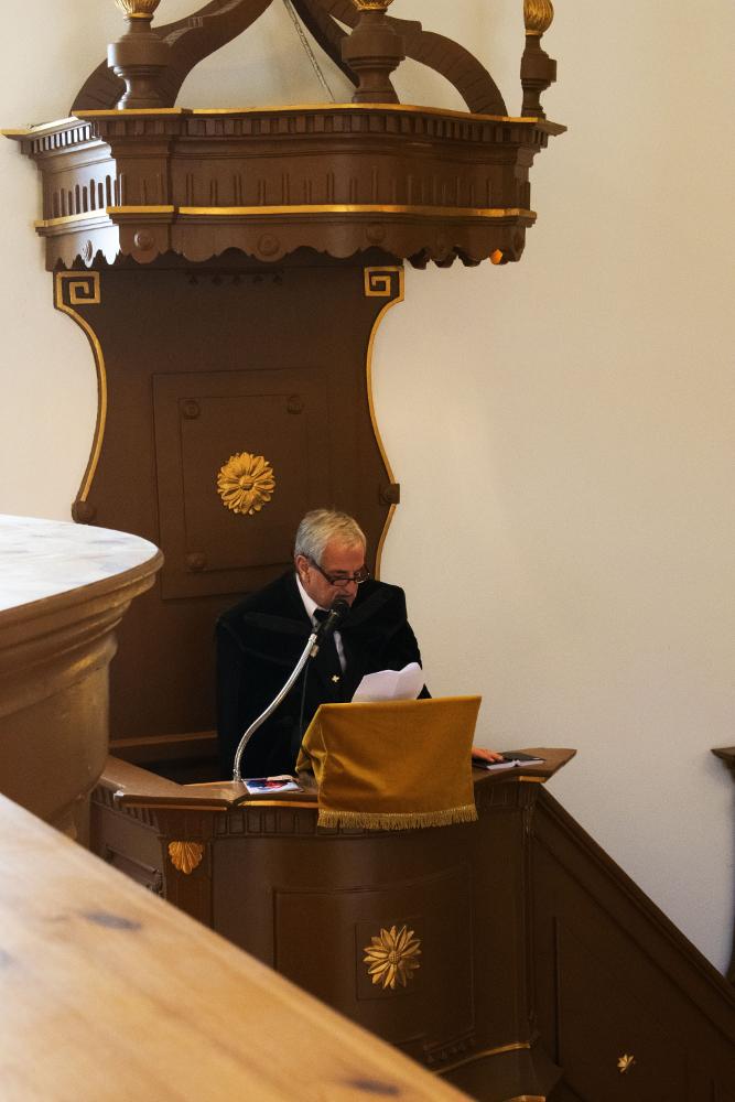 Márkus Gábor lelkipásztor igét hirdet