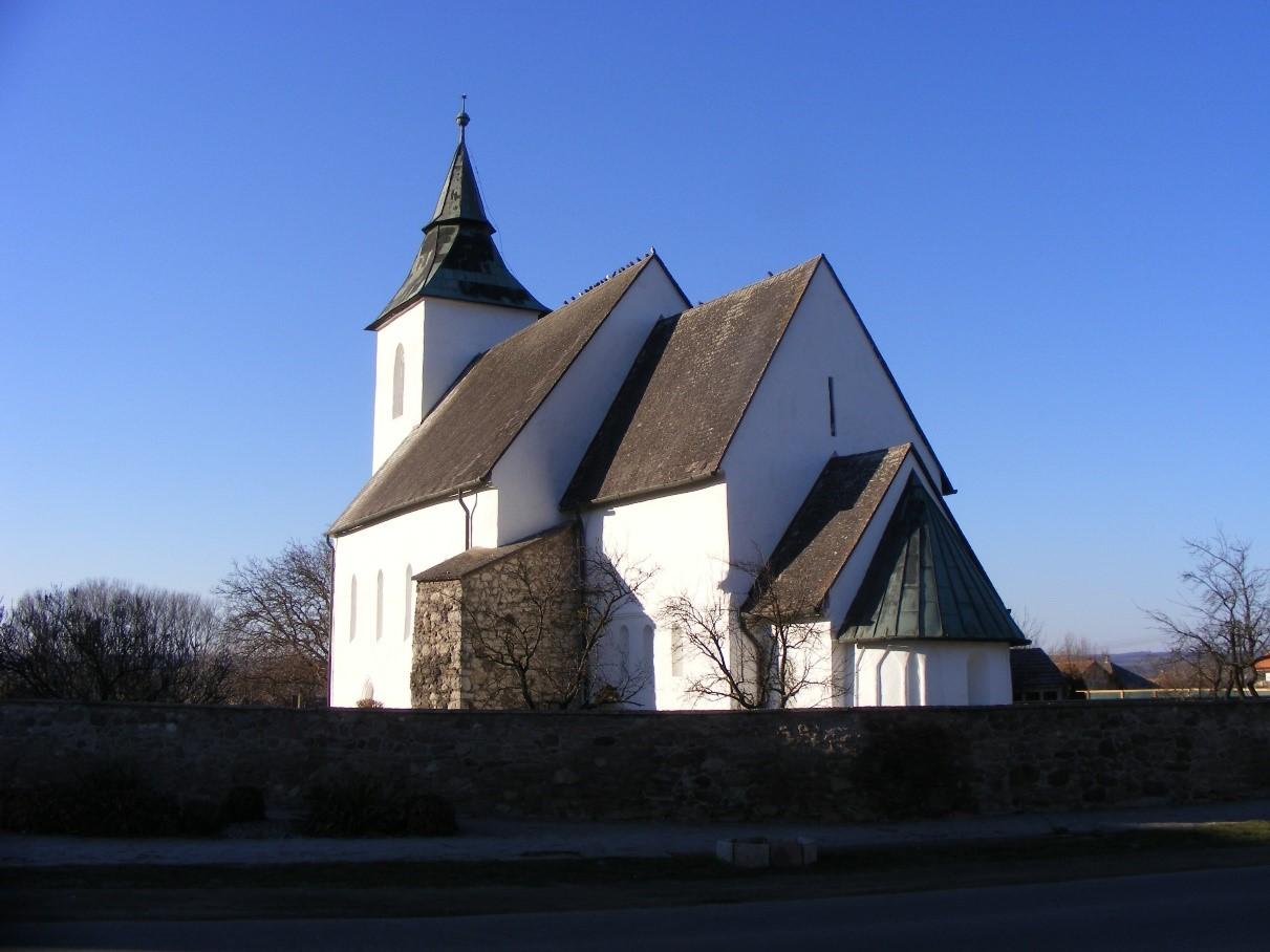 A vizsolyi református templom az első nyomtatott magyar nyelvű Szentírás miatt fontos