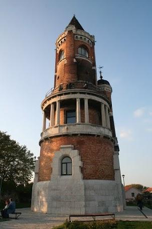 A Hunyadi-torony a millennium idején épült
