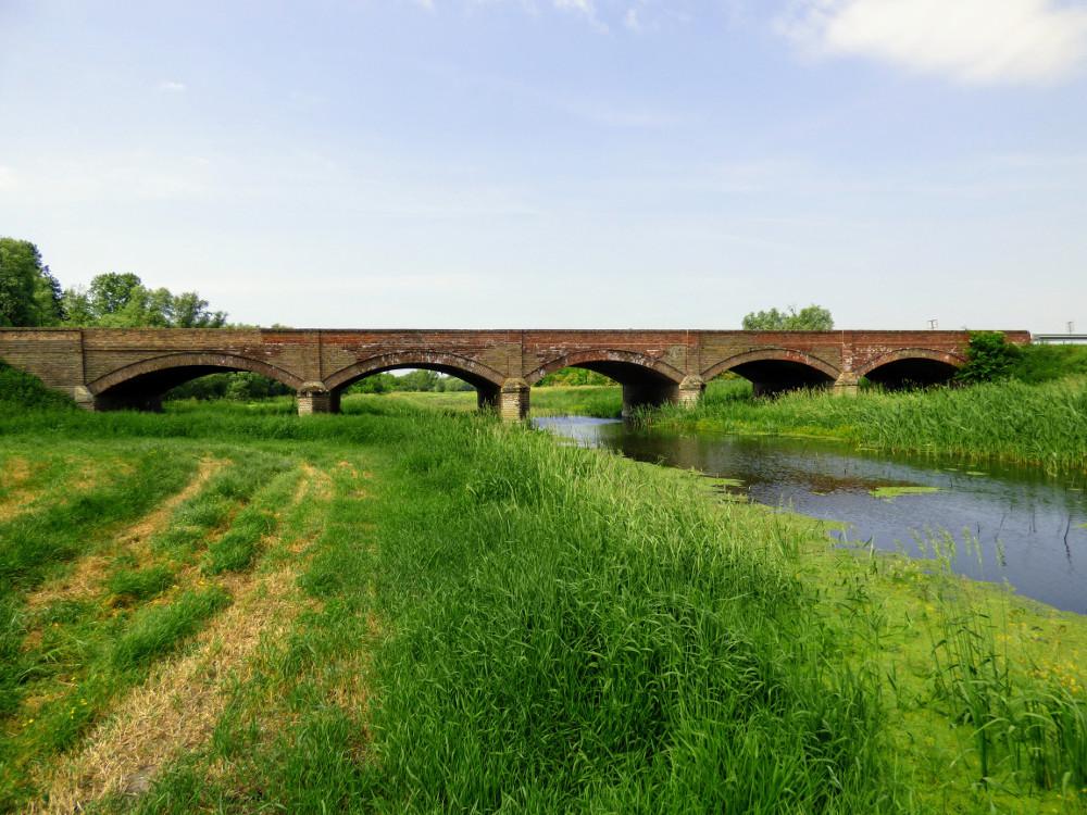 Régi híd a Valkó-folyón