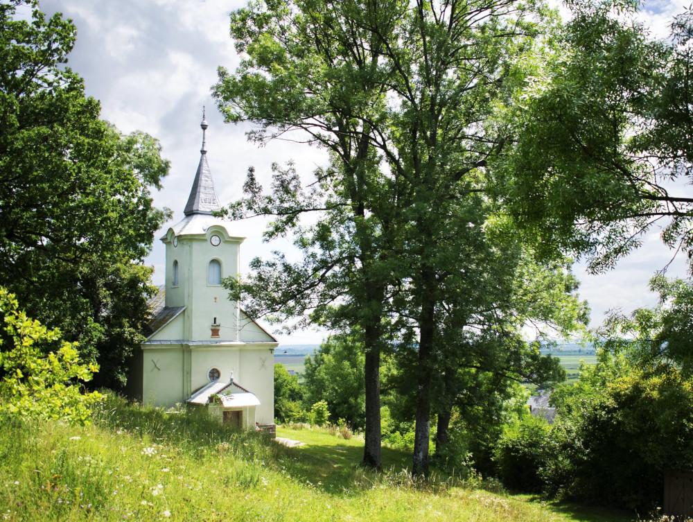 A korláthelmeci református templom