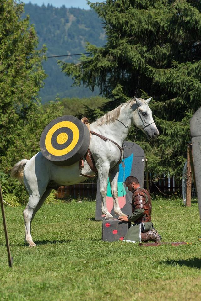 Pászka Lehel lovasíjász