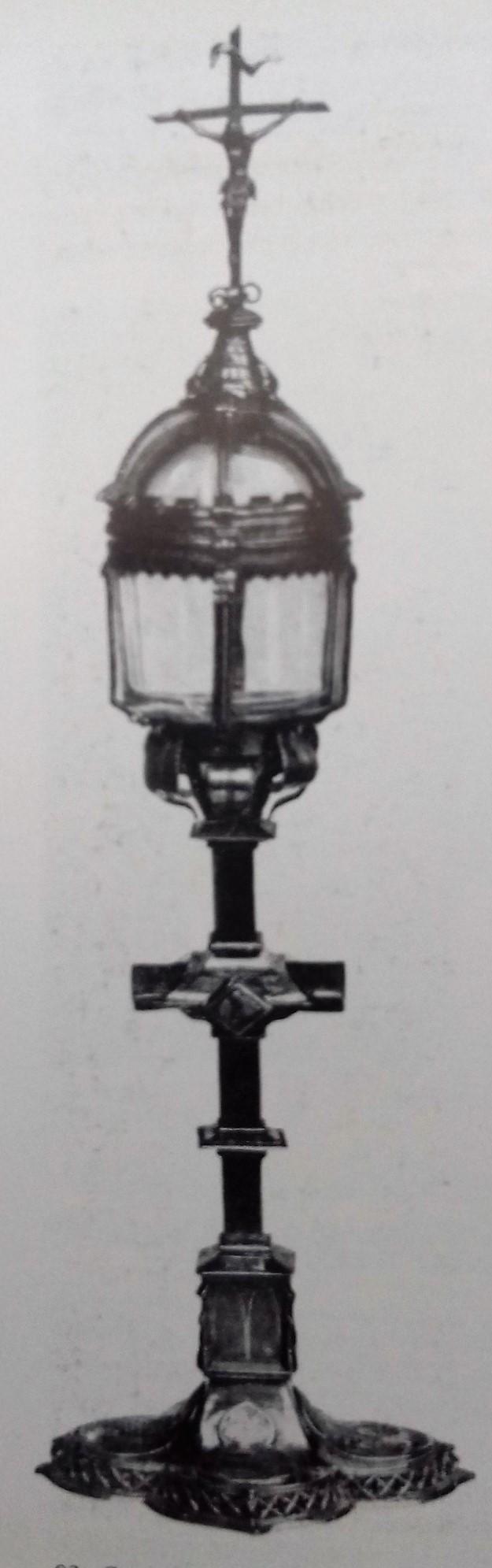 Az aacheni ereklye (Forrás: Tarczai György: Az Árpádház szentjei, Szent-István Társulat, Budapest )