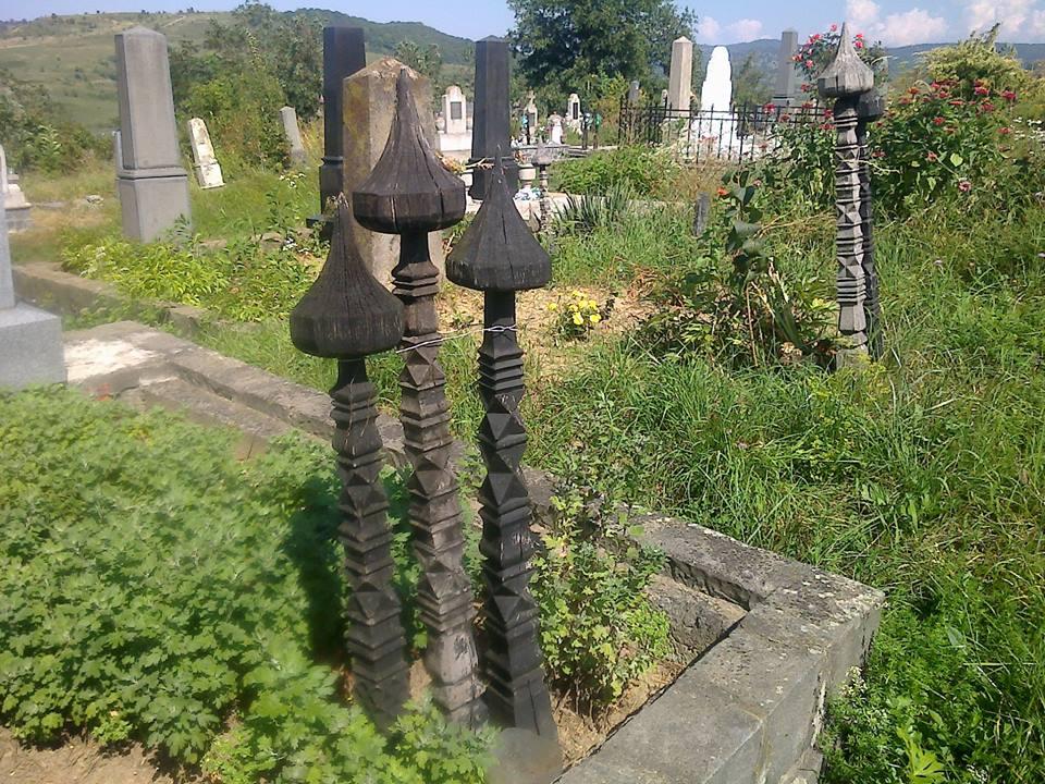 Gombosfák az alsórákosi temetőben
