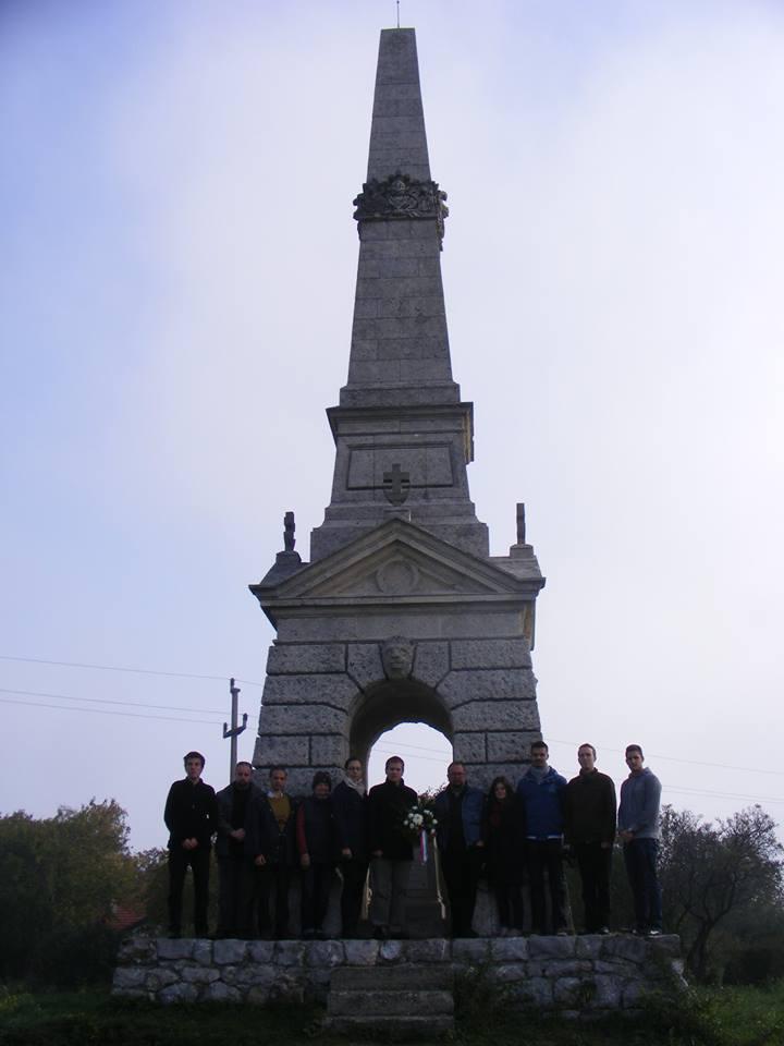 Koszorúzás a szalánkeméni csata emlékművénél